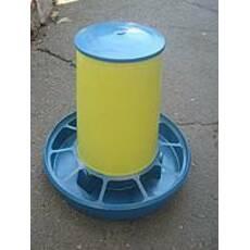 Бункерная кормушка на 6 кг с ручкой (для кур, перепелов и др.) жёлто-синяя (БК-10)