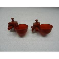 Микрочашечная поилка с двумя патрубками (МК-2) красная