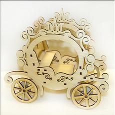 Іграшка Карета попелюшки з дерева різьблена