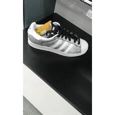 Кросівки женские Adidas DA9099 40розмір стєлька 25 см оригинал