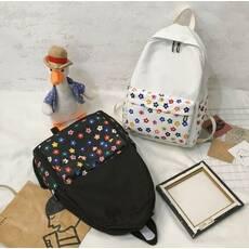 STK Рюкзак с цветочками на кармашке