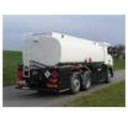 Цистерна для 3-х вісного вантажного шасі з боковою шафою керування для перевезення нафтопродуктів