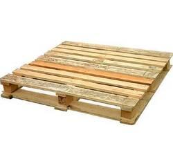 Стандартний дерев'яний палет новий