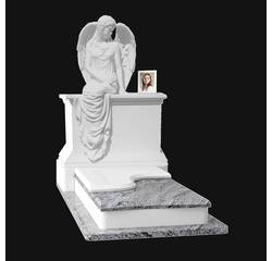 Ангел з полімеру або мрамору