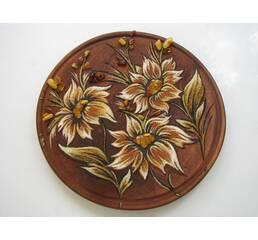 """Тарелка с элементами янтаря """"Цветы"""""""