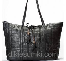 Женская сумка  черная с кисточками
