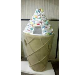 Ростова фігура Морозива з цукатами