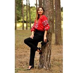 Стильна червона вишиванка для яскравої жінки Модель: Ж10/2-261
