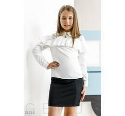 Блуза с эффектной оборкой