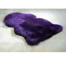 Овечья шкура фиолетового цвета