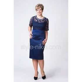 Стильне жіноче плаття великих розмірів