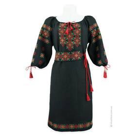 Чорна вишита сукня з вишивкою грайливою
