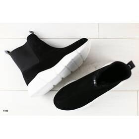 Жіночі демісезонні замшеві чорні черевики