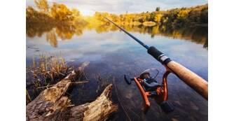 Екіпірування рибака: як обрати водонепроникний костюм