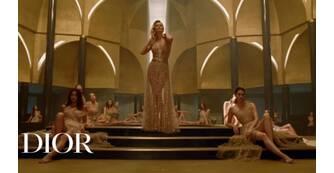 Parfums Christian Dior присвятив промо-ролик J'Adore Eau de Parfum Infinissime.