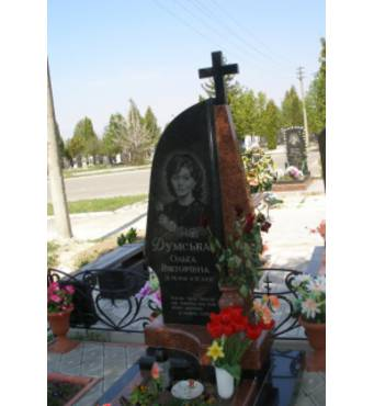 Лавочка і столик на кладовище