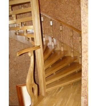 Сходи дерев'яні: недорого та швидко