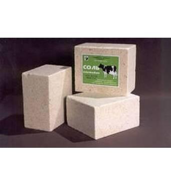 Подарок для животноводства – купить соль лизунец