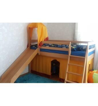 Детская кровать - чердак, 100% натуральное дерево. б/у