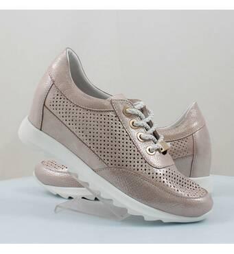 Купити жіноче спортивне взуття оптом