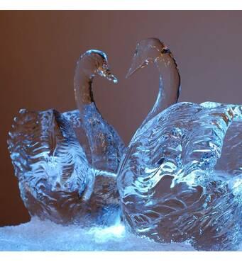 Невероятные ледяные скульптуры купить можно у нас!