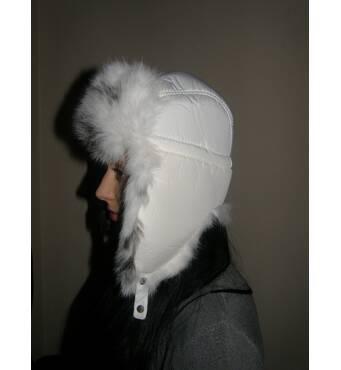 В продаже шапки ушанки женские меховые