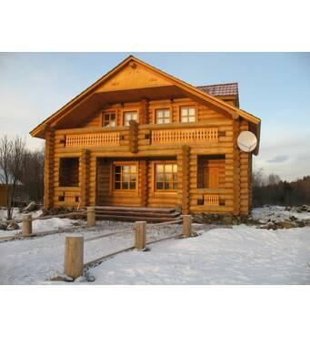 Будівництво дерев'яних будинків з оциліндрованих колод: надійно та оперативно