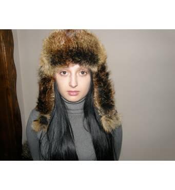 У продажу шапка з лисиці жіноча