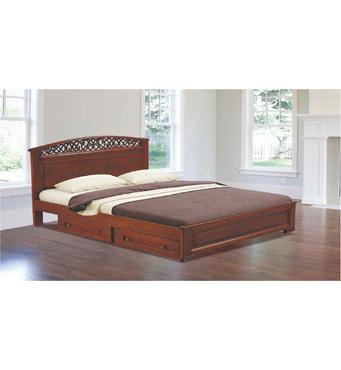 У продажу різьблені дерев'яні ліжка