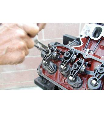 Регулювання клапанів двигуна Deutz якісно та недорого — у нас!