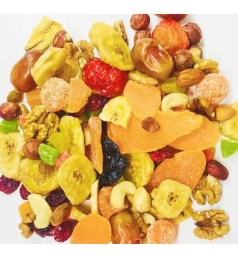 Пропонуємо горіхово-фруктовий мікс