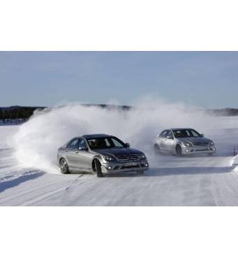 Встигніть відвідати зимовий курс екстремального водіння