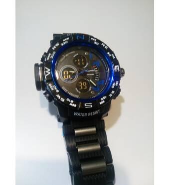 Мужские часы с металлической вставкой в ремни в наличии