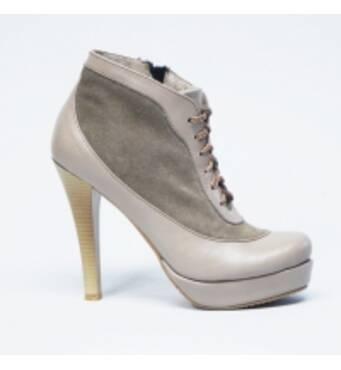 Жіноче взуття оптом купити