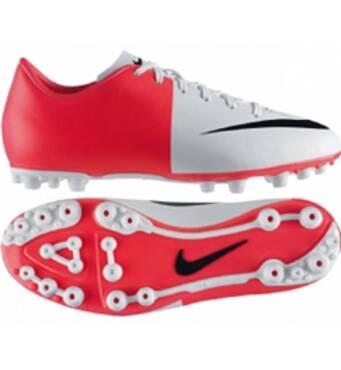 Зручне футбольне взуття - запорука успішної гри!