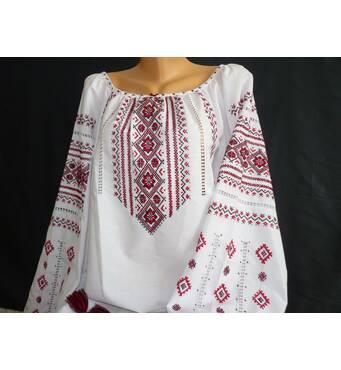 Женская сорочка вышитая с длинным рукавом ручной работы