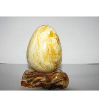"""Сувенір з бурштину """"Яйце на підставці"""""""