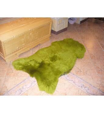 Овеча шкура зеленого кольору
