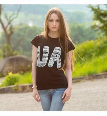 """Жіноча патріотична футболка """"UA"""""""