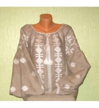 Модна сучасна вишиванка на сірому льоні ручної роботи