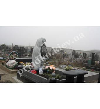 Статуя дівчини з граніту (на могилу)