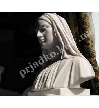 Бюст Божьей Матери из мрамора