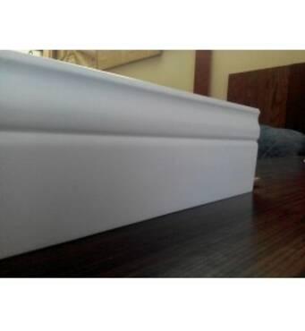 Пристенный плинтус 20*100, белый, сосна, L - 3 м