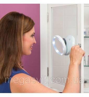 Зеркало на присоске Swivel Brite 360 8x с подсветкой