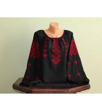 Жіноча вишиванка на чорному шифоні з червоною вишивкою. Ручна робота