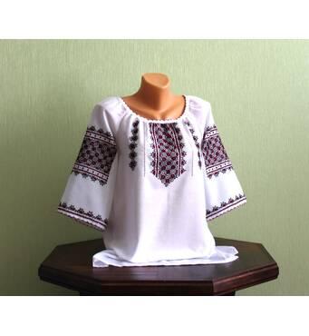 """Рубашка женская вышитая с коротким рукавом ручной работы """"Клевчики"""""""