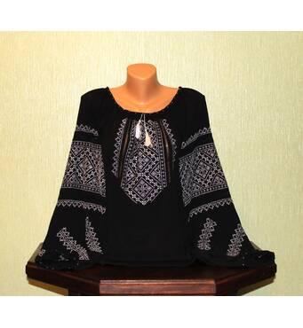 Женская рубашка вышита белым шелком на черном шифоне, ручная работа