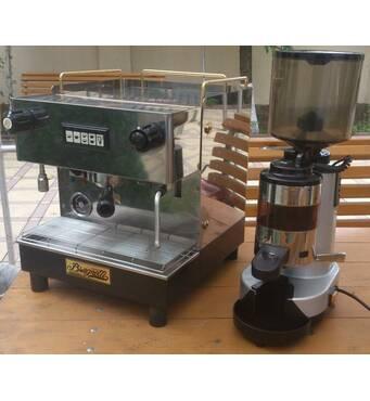 "Кава машина (кавоварка) Brugnetti ""C"", 1 гр і кавомолка (гриндер) RR45"