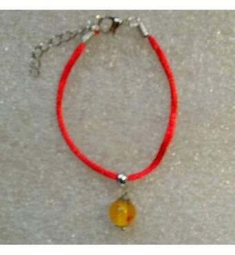 Красная нить оберег с натуральным цельным янтарем