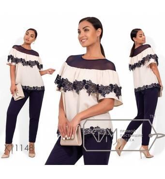 Летний брючный костюм: блуза с двусторонней кокеткой и кружевной отделкой, брюки зауженные, на резинке (не тянутся) X11148